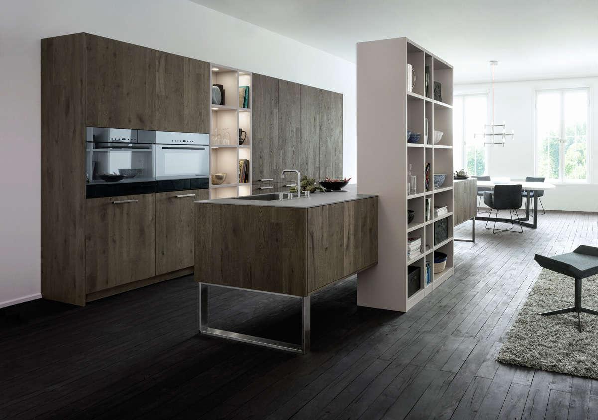 Design keuken van knoestig eikenhout