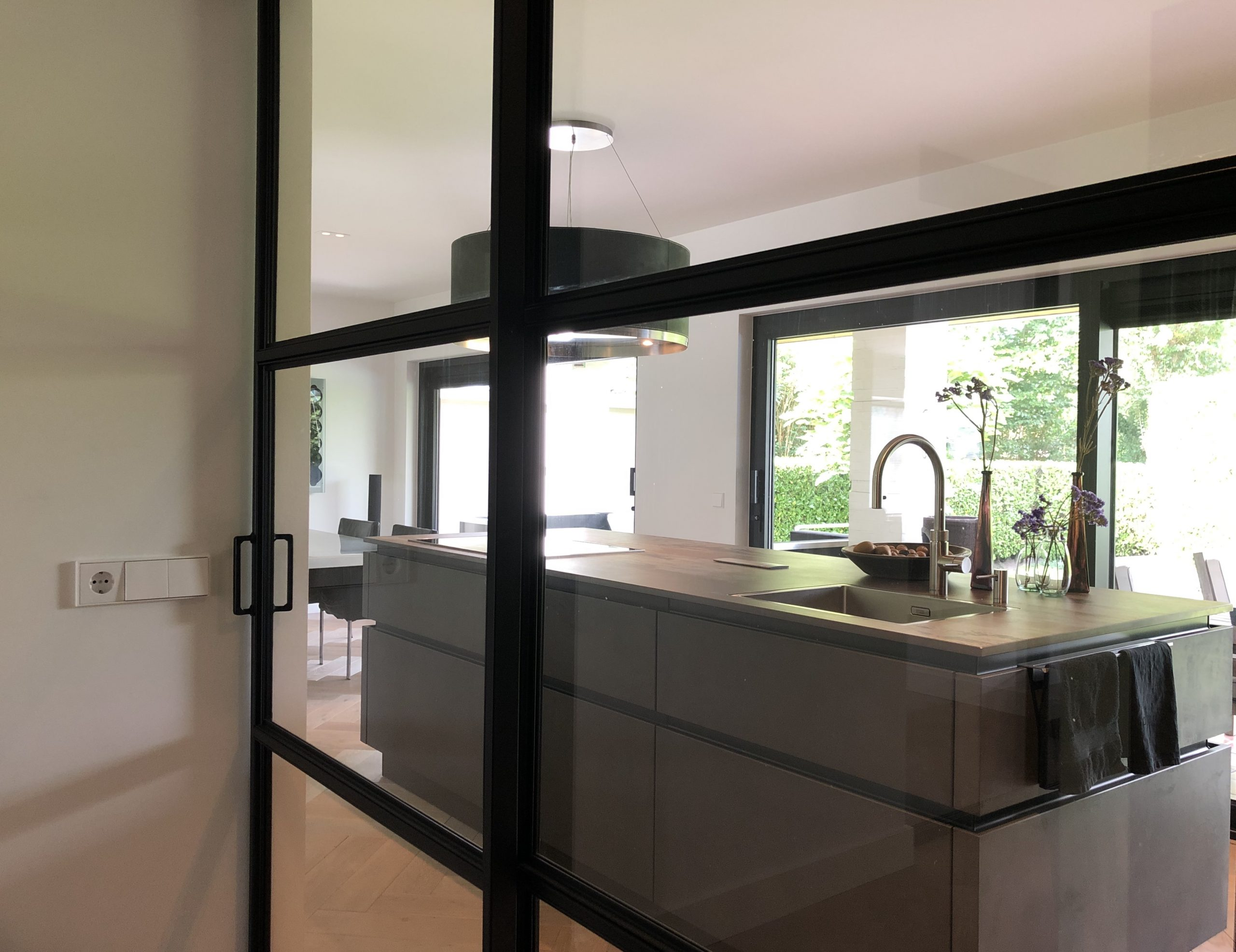 designkeuken in nieuw appartement